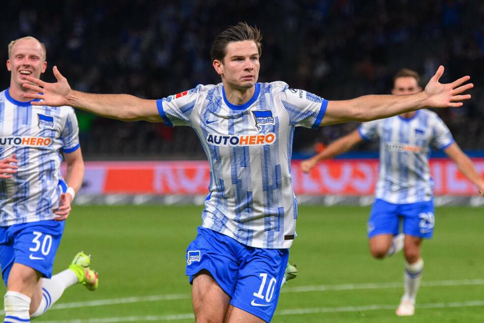 Jurgen Ekkelenkamp (21, M.) feiert seinen Treffer zum 1:1-Ausgleich gegen die SpVgg Greuther Fürth.