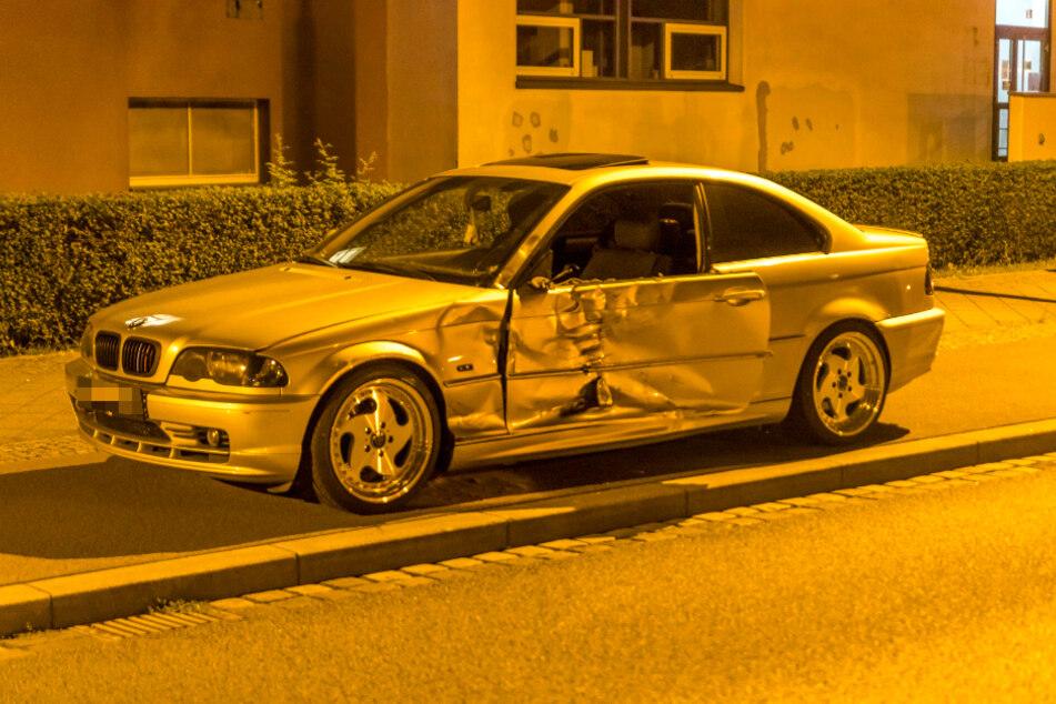Auch der BMW wurde stark beschädigt.