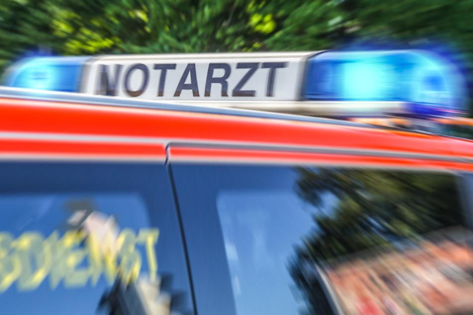 Tödlicher Unfall: Seniorin (79) wird von Auto erfasst und zu Boden geschleudert