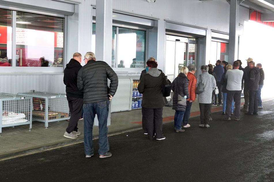 Mega-Andrang: Sachsen gehen nochmal in Tschechien shoppen