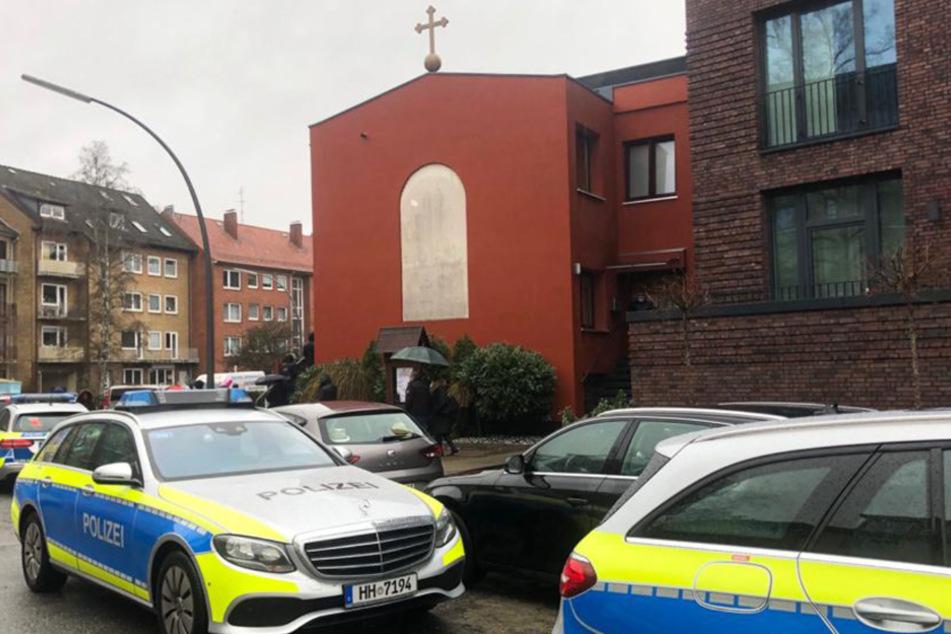 Anwohner rufen Polizei: Corona-Einsatz in Hamburger Kirche