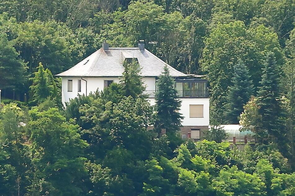 """Diese Villa in Meißen """"kaufte"""" der Ex-Spion für 830.000 Euro und ließ sie von Handwerkern umbauen."""