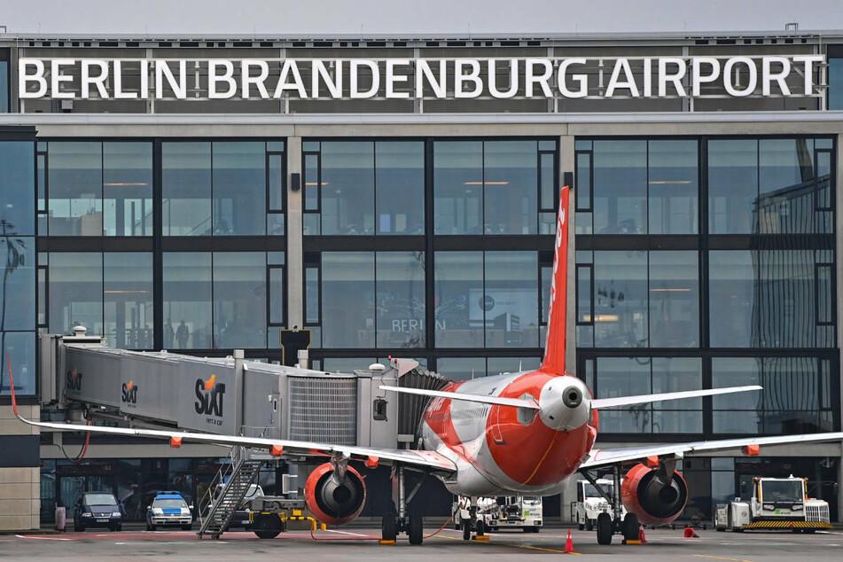 Der neue Hauptstadtflughafen BER sollte nach Meinung von CDU und FDP schnellstmöglich ausgebaut werden.