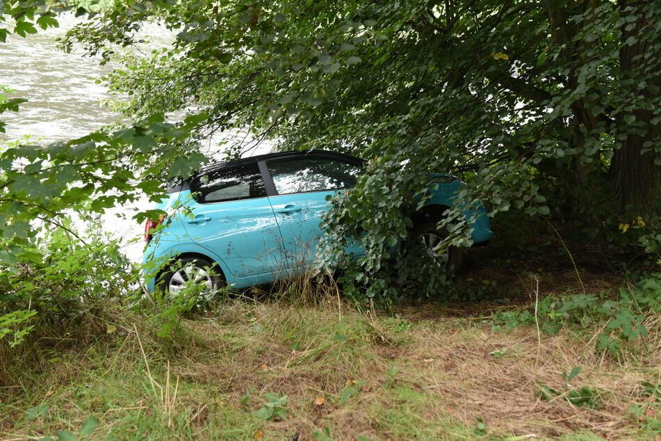 Das Auto rutschte in die Zschopau, vermutlich ertrank der 84-Jährige.
