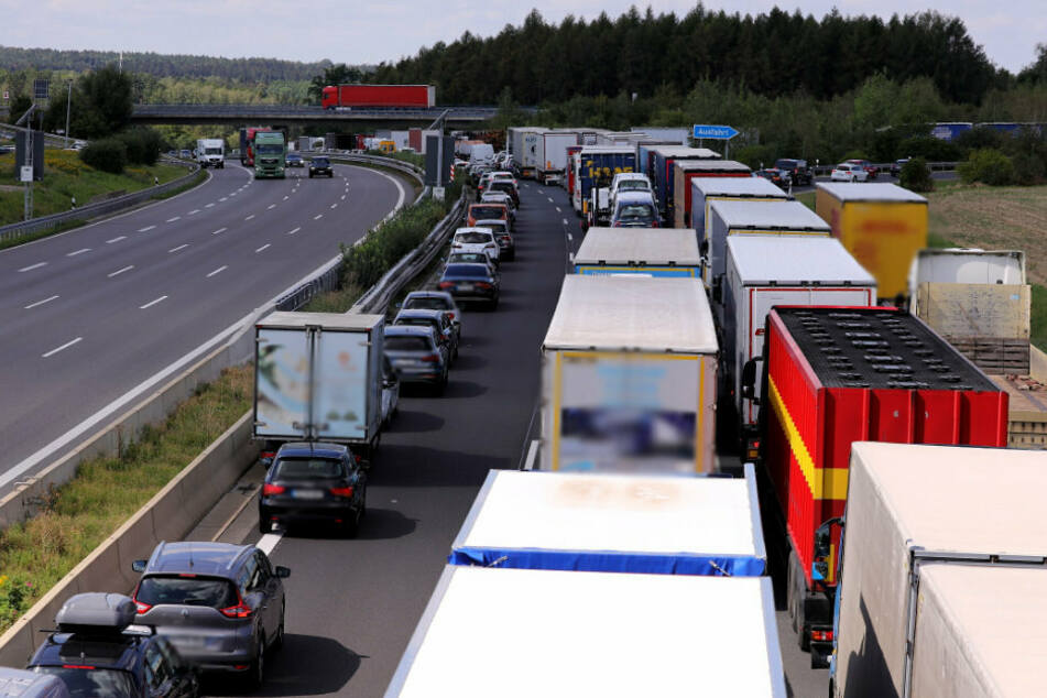 Unfälle auf der A4 in Richtung Chemnitz sorgten am Dienstag für langen Stau.