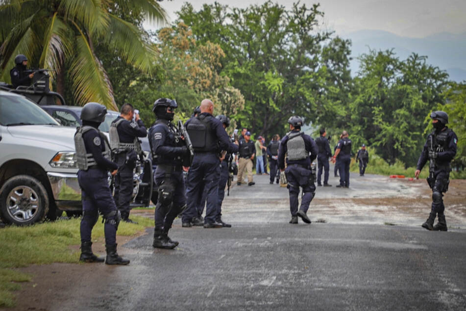 Horror-Fund! 14 verscharrte Leichen und zwei tote Polizisten gefunden