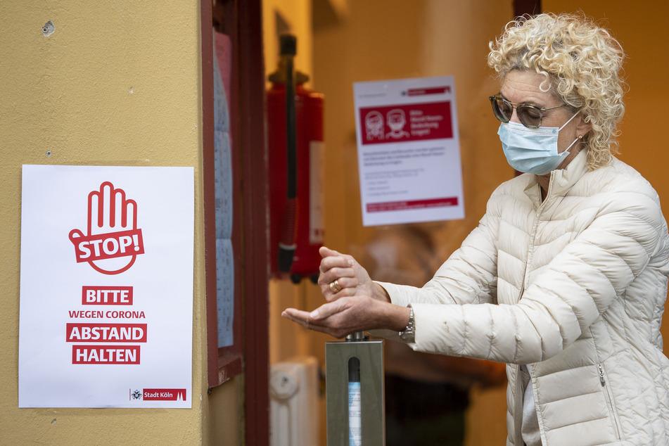 In Köln steigt die Zahl der Corona-Neuinfektionen. Der Inzidenz liegt am Sonntagnachmittag bei 36,75.