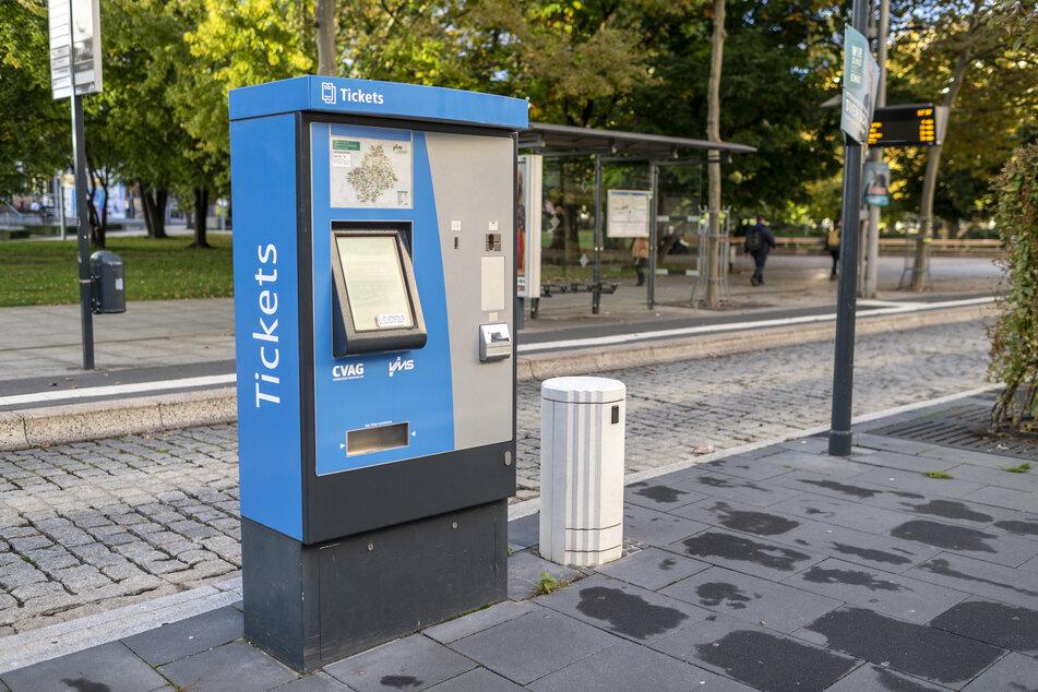 Hier kann weiterhin mit Bargeld bezahlt werden: An den Ticketautomaten der CVAG.
