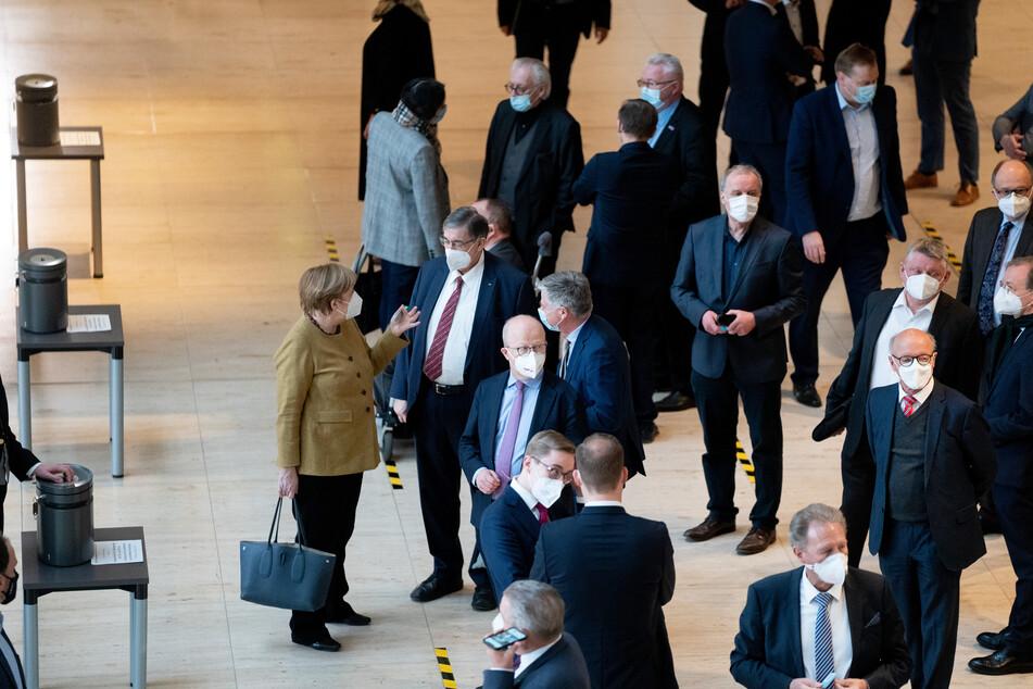 """Coronavirus: Bundestag bestätigt """"epidemische Lage"""" wegen Covid-Krise"""