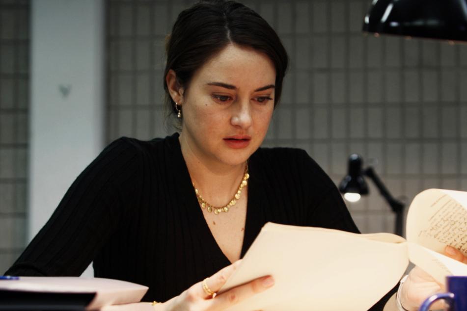Teri Duncan (Shailene Woodley, 29) ist von mehreren Enthüllungen aus den Akten entsetzt.