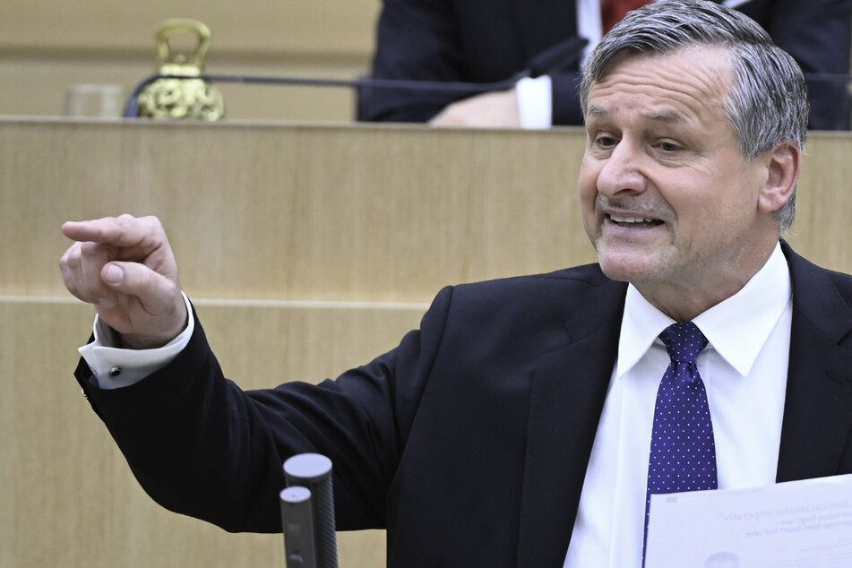 FDP-Fraktionschef Hans-Ulrich Rülke (59) will mit der grün-schwarzen Koalition ins Gericht gehen.