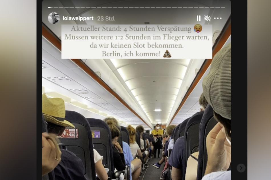 Lola Weippert (25) saß über zehn Stunden in dem Flugzeug fest.