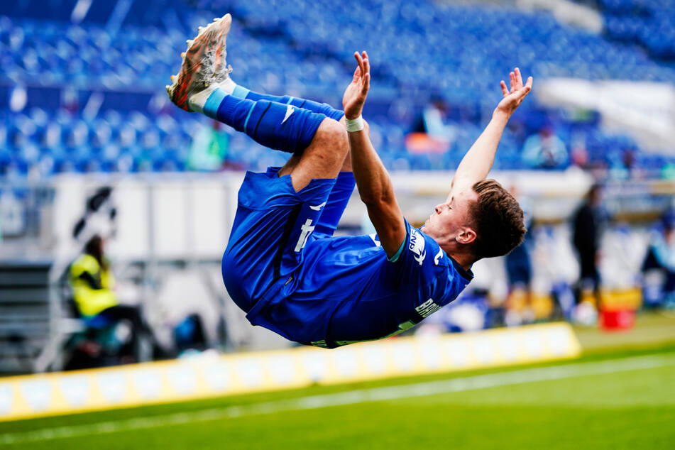 Artistischer Jubel: Hoffenheims Christoph Baumgartner schlägt nach seinem Treffer zum 3:2 für die TSG einen Salto.