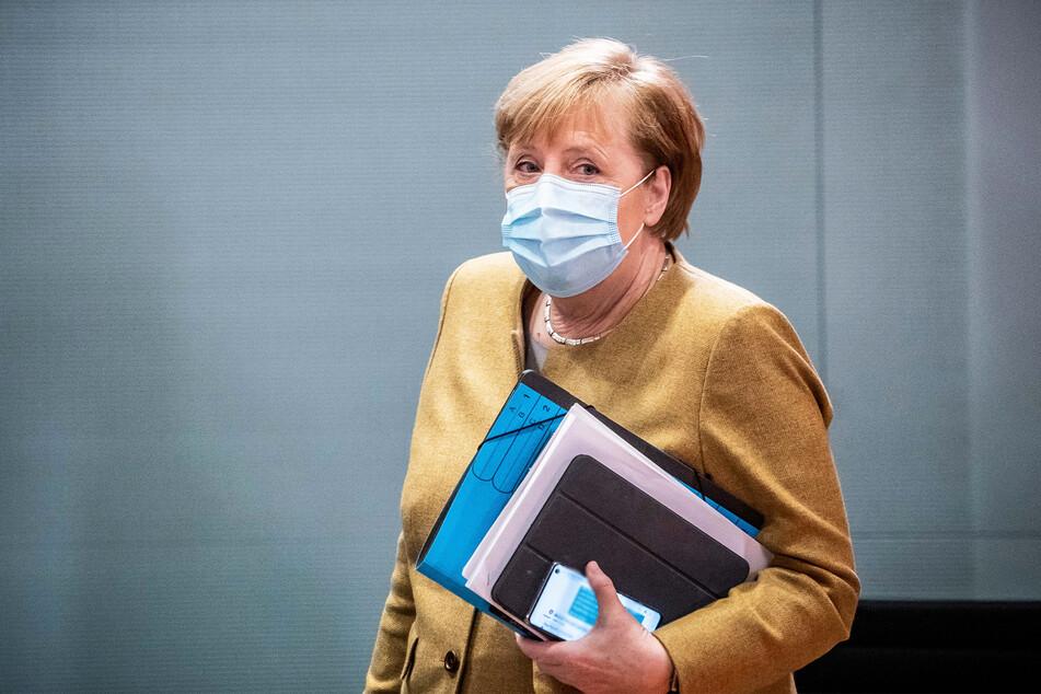 Angela Merkel beriet sich ausführlich mit den Ministerpräsidenten und will am Donnerstagmorgen eine Regierungserklärung geben.