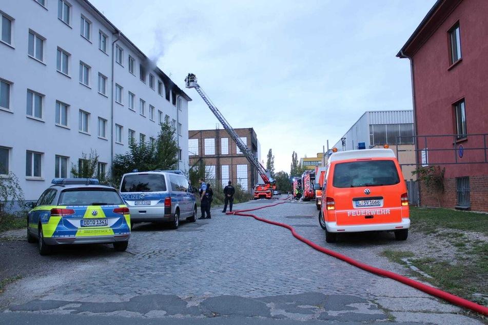 Nach dem Brand eines Bürogebäudes ermittelt die Polizei wegen Brandstiftung.