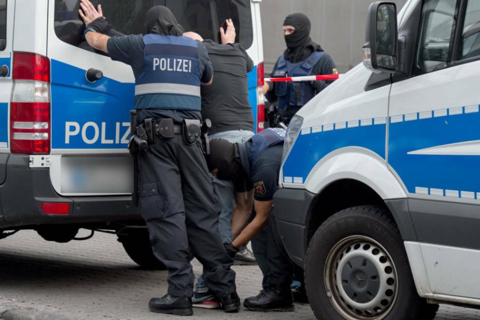 Rund 160 Beamte durchsuchten am Mittwoch im Großraum Frankfurt sechs Wohnungen und Geschäftsräume (Archivfoto).