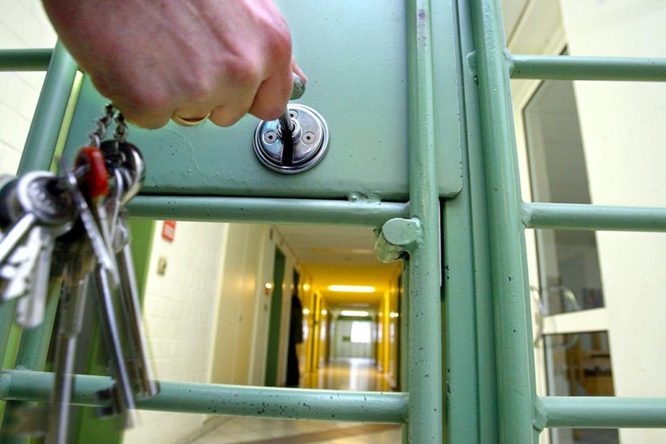 Corona-Ausbruch in bayerischem Gefängnis: Zahl der Infizierten steigt