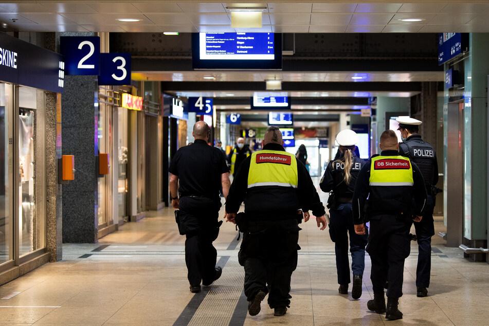In Köln hatte die Bundespolizei am Hauptbahnhof zuletzt im Oktober 2020 eine Waffenverbotszone errichtet. (Symbolfoto)