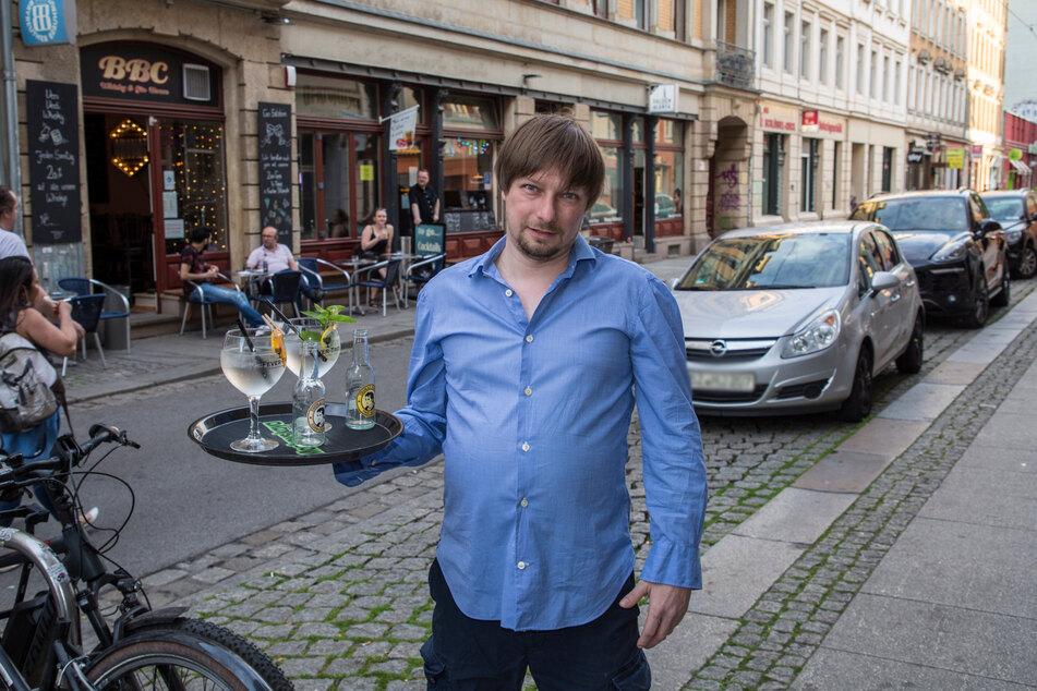 BBC-Wirt Steffen Weyland (42) überlegt, seinen Freisitz auf die Parkplätze auf der anderen Straßenseite auszuweiten.