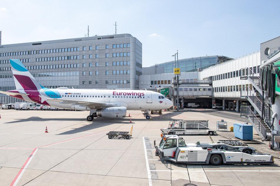Ein Airbus A319 am Flughafen Düsseldorf.