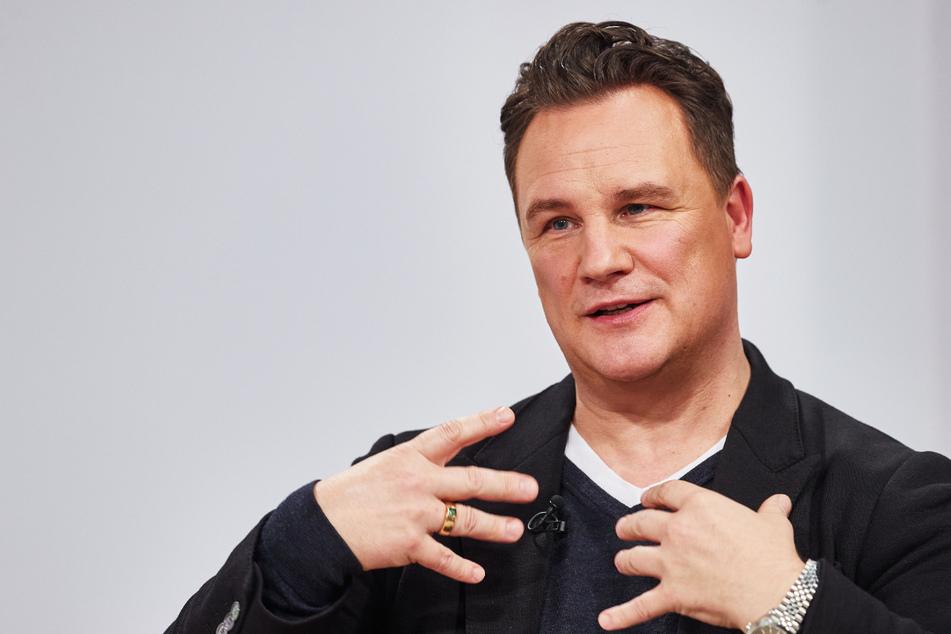 """Star-Designer Guido Maria Kretschmer (56) ist vor dem """"Deutschen Fernsehpreis"""" bei Dreharbeiten beklaut worden. (Archivfoto)"""