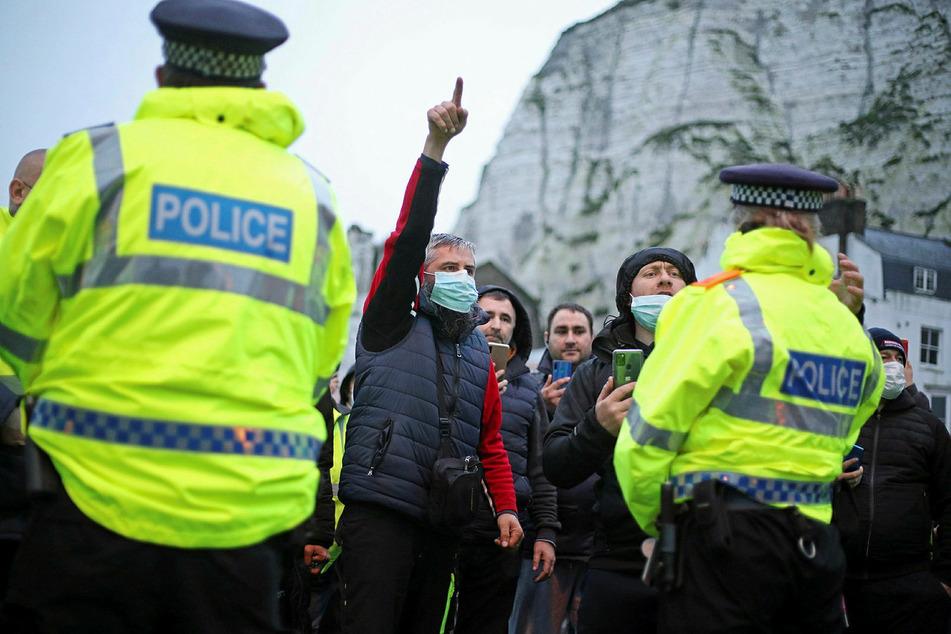 In Dover wurde die Polizei von wütenden Fahrern beschimpft.