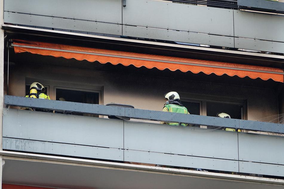 Auf dem Balkon im neunten Stock des Hochhauses kam es zu einem Brand.