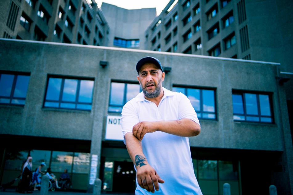 Nabil Ibrahim (Kida Khodr Ramadan) saß nach einem vermeintlichen Mord 14 Jahre im Gefängnis. Nun ist er mit Krebs im Endstadium wieder auf freiem Fuß und will alte Rechnungen begleichen.
