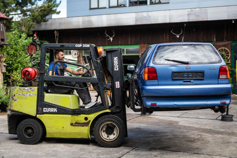 Schrottplatz in Not: So hart trifft Corona die Autoverwerter