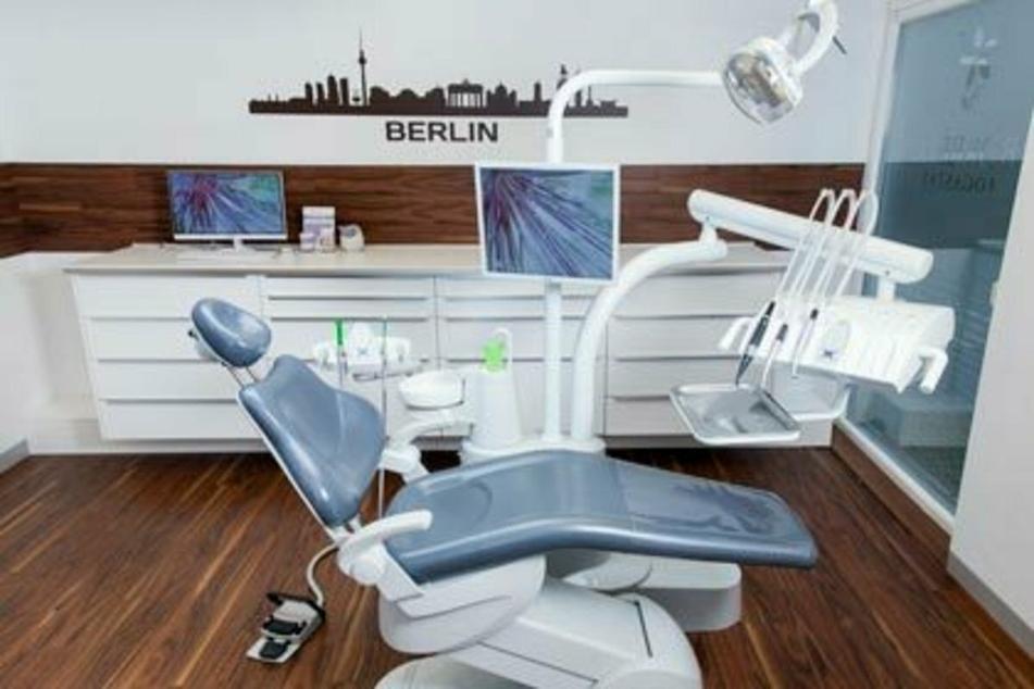 Wer hier seine Zähne neu macht, spart bis zu 70%