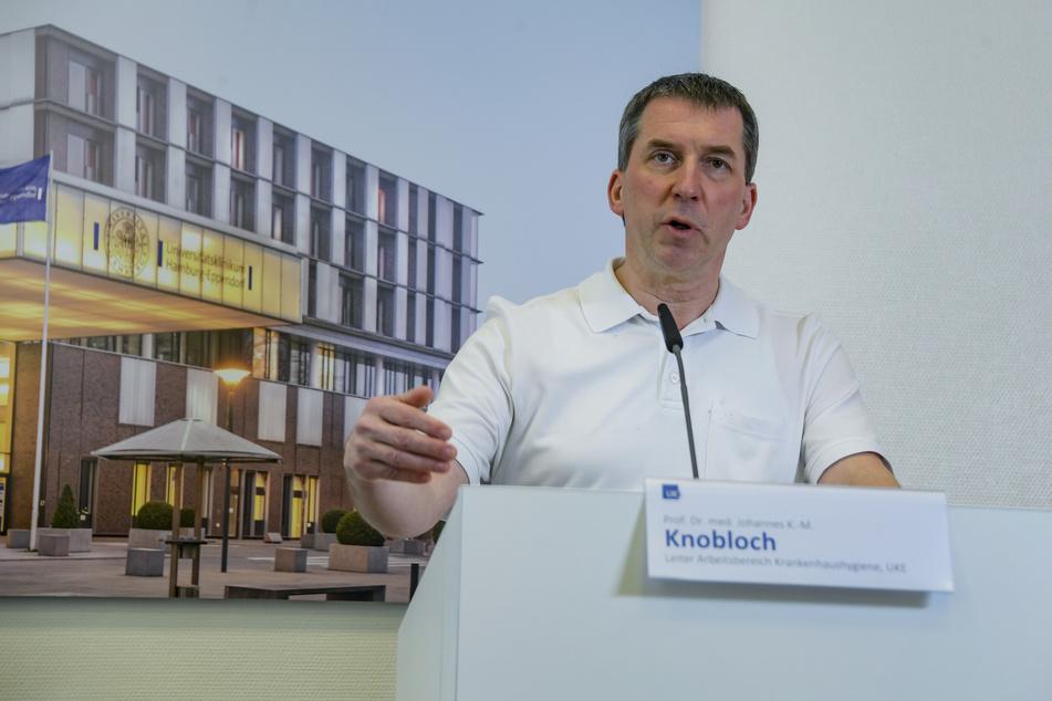 Johannes Knobloch, Leiter der Krankenhaushygiene des UKE, spricht bei einer Pressekonferenz.