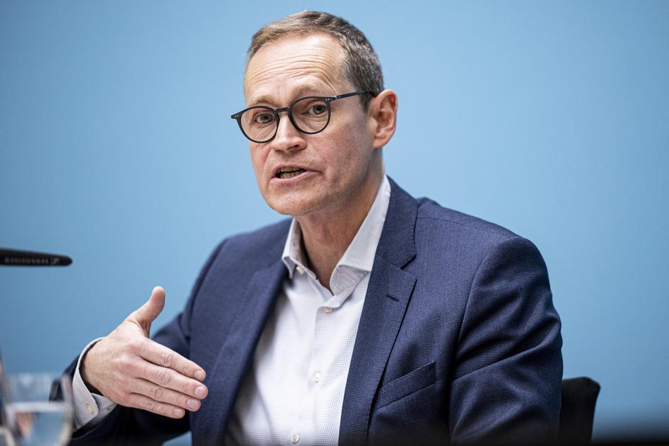 Der Regierende Bürgermeister Michael Müller (56, SPD) betont nun, wie wichtig der Kampf um Freiheit sei.