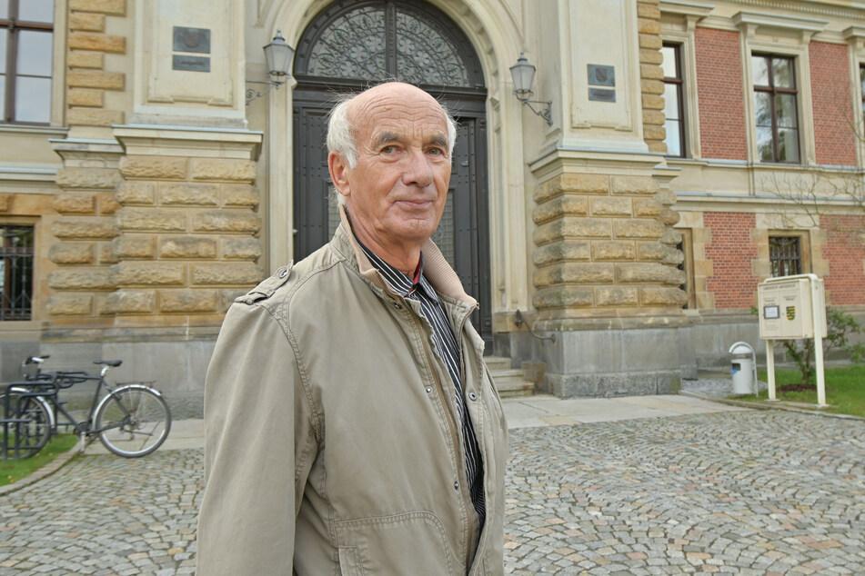 Lothar Zeh (76) klagt am Landgericht Zwickau gegen den Betreiber des Tauchturms.