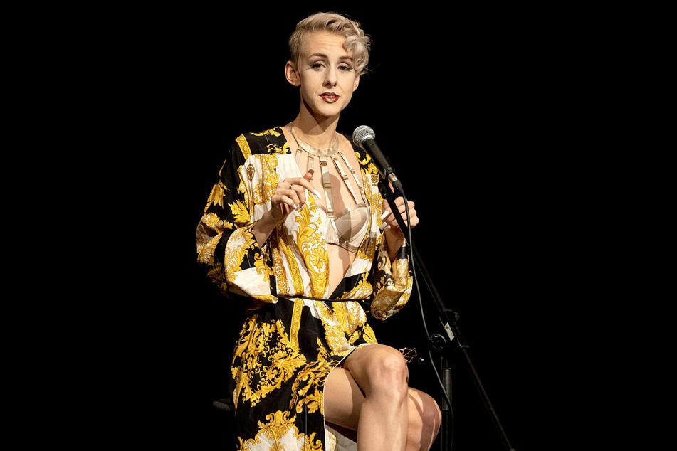 Kabarettistin Eckhart (27): Vor zwei Jahren machte sie sich im Fernsehen in Bezug auf Harvey Weinstein und Woody Allen über Juden lustig. Gleiches tat sie vor Kurzem mit den Chinesen hinsichtlich Corona.
