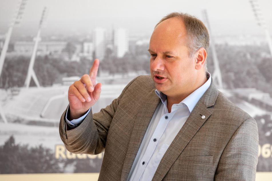 Will den virtuellen Verkehrspolizisten: OB Dirk Hilbert (49, FDP).