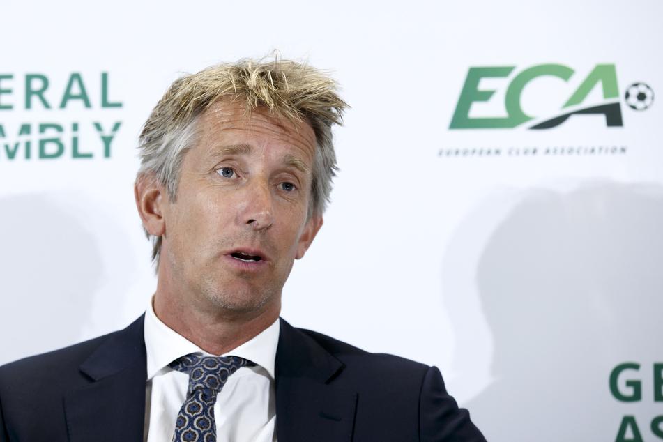 Edwin van der Sar (50) steht seinem Keeper zur Seite. Der 130-fache niederländische Nationaltorwart glaubt an ein Versehen.