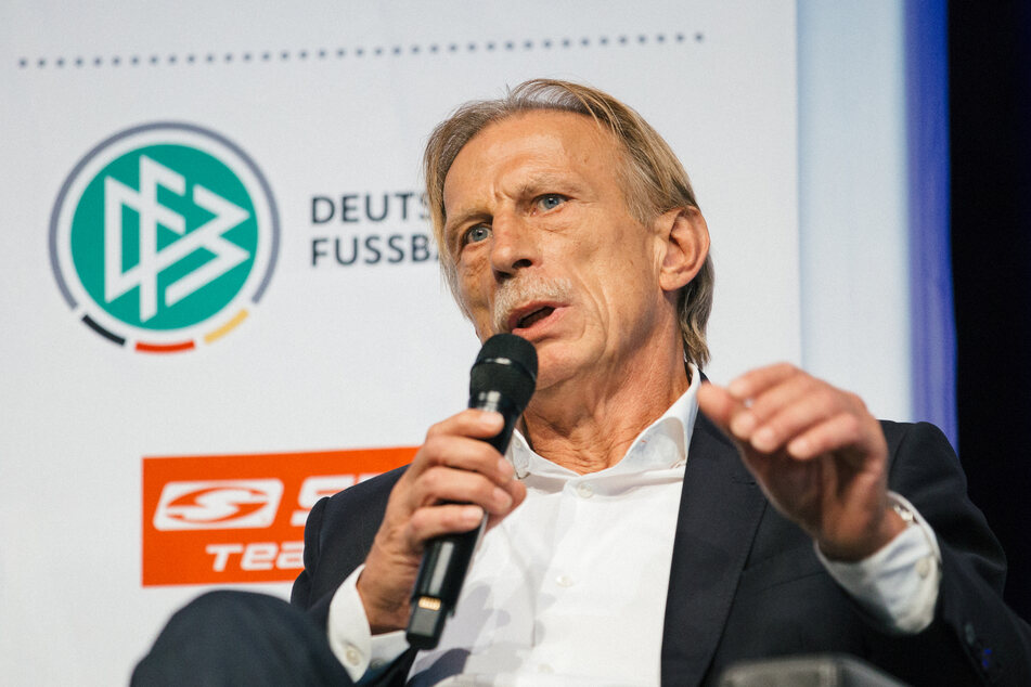 Christoph Daum übt scharfe Kritik am DFB, hält aber zu Trainer Löw