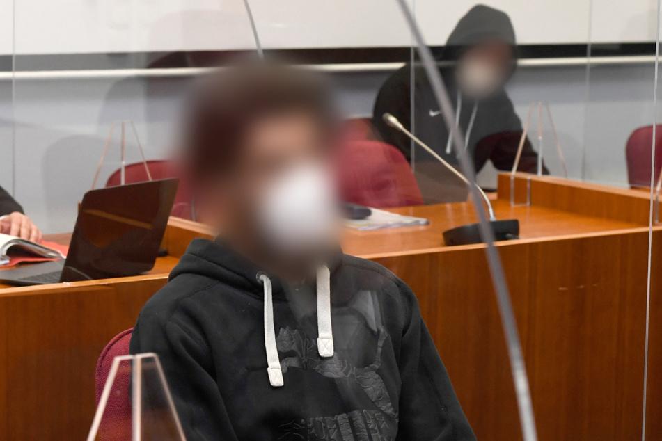 """""""Gewalt-Orgie"""": Lange Haftstrafen für grausamen Foltermord in Flüchtlingsheim"""