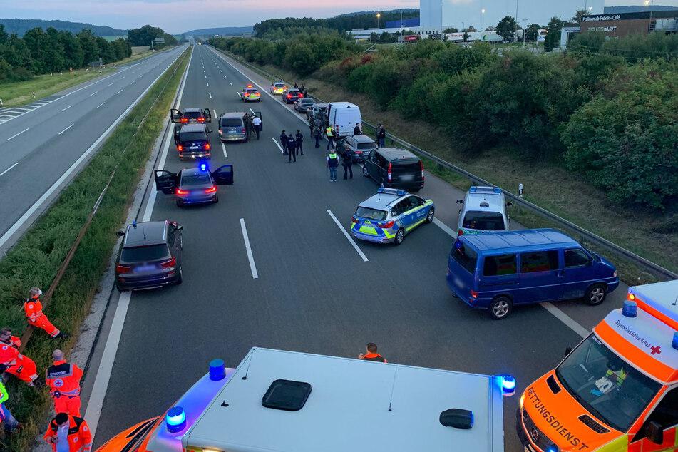 Wegen eines mutmaßlich bewaffneten Passagiers in einem Reisebus hatte die bayerische Polizei die Autobahn 9 zwischen den Anschlussstellen Hilpoltstein und Greding in beiden Fahrtrichtungen komplett gesperrt.