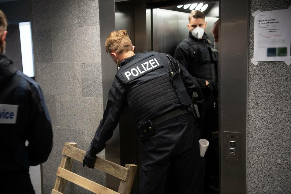 80 Einsatzkräfte durchsuchten bei dem Einsatz sieben verschiedene Örtlichkeiten im Berliner Stadtgebiet. (Symbolbild)