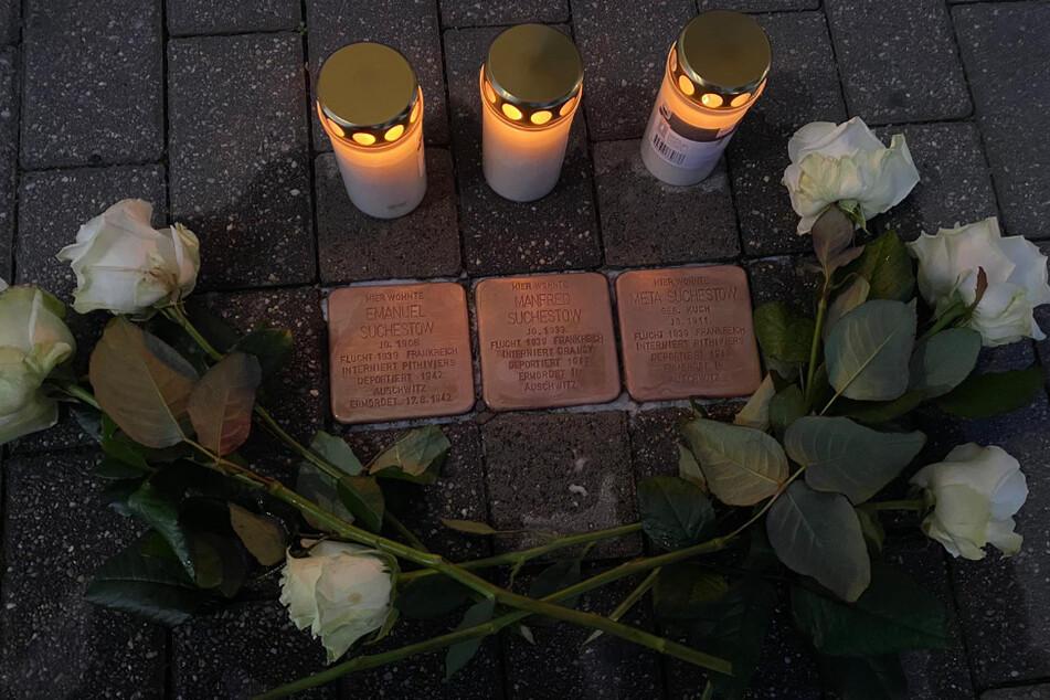 So sahen die Stolpersteine in Eilenburg vor der Schändung aus.