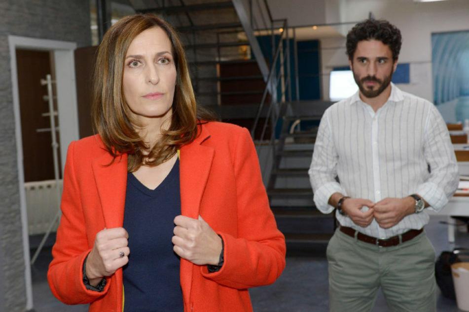 Katrin will endlich Nägel mit Köpfen machen und versucht, Tobias zu verführen.