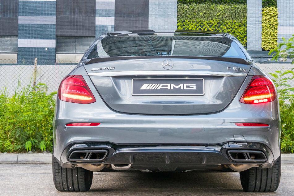 Dreiste Diebe tricksen Keyless-Go-System aus und klauen Mercedes-AMG