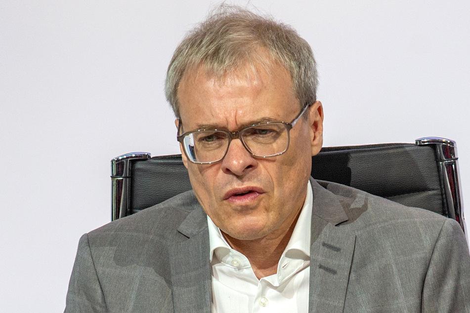 DFL-Stellvertreter von Christian Seifert, Peter Peters.