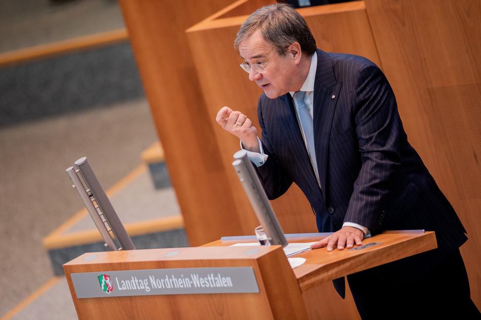 Armin Laschet spricht am Mittwoch im NRW-Landtag.