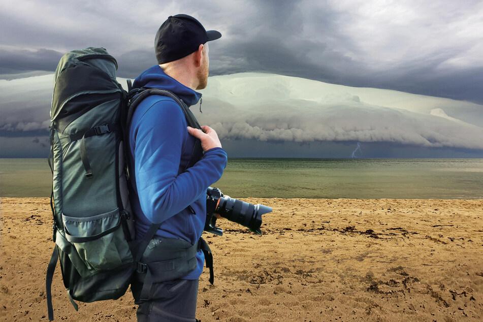 Unvergesslicher Augenblick: Von der Ostsee zieht das Unwetter heran.