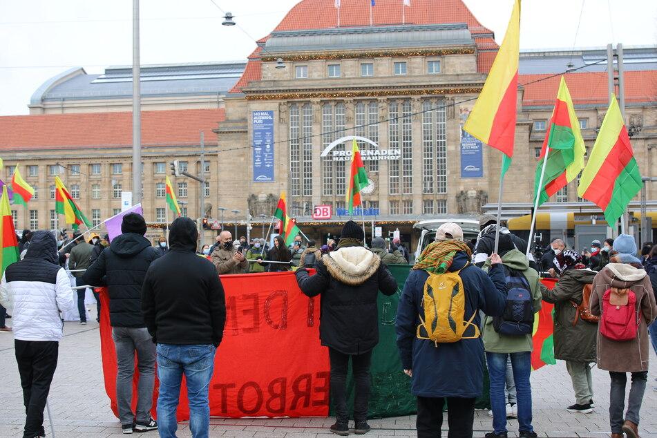Die Demo fand auf dem Willy-Brandt-Platz statt.