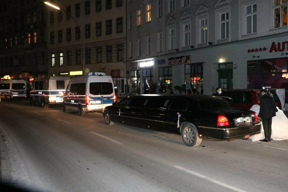 Polizei löst Corona-Hochzeitsfeier mit 60 Gästen in Berlin-Wedding auf