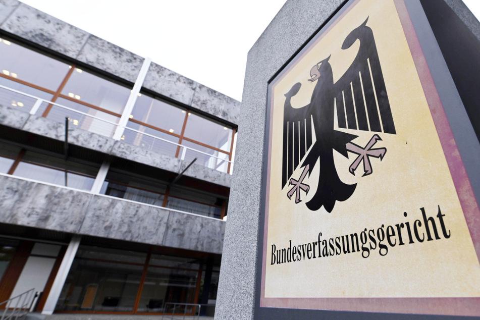 Fall muss ein zweites Mal geprüft werden: Ein 15 Jahre alter Jugendlicher hat mit Erfolg in Karlsruhe Verfassungsbeschwerde eingelegt.