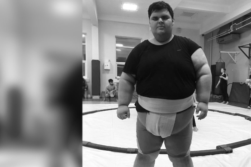 Worlds heaviest boy dies at the age of 21
